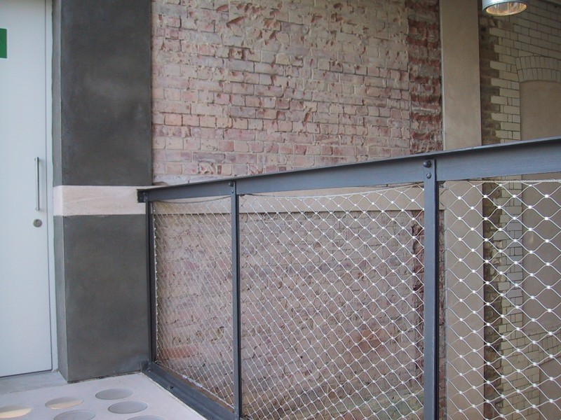 Stainless wire net mesh system for balustrade and balconies